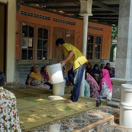 Pelatihan Daur Ulang Sampah Organik Rumah Tangga