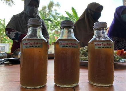 Toga Surtrias Dusun Gluntung Kidul Desa Caturharjo Kecamatan Pandak produksi olahan makanan terbaru
