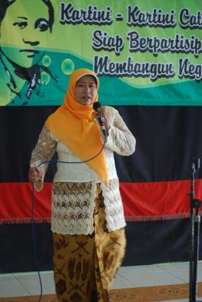 Lomba Menyanyi Ibu-Ibu PKK