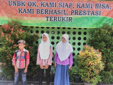 Try Out SD/SMP Oleh Desa Caturharjo